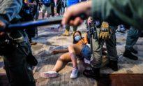 Người dân Hong Kong chứng kiến quyền tự do của mình bị tước đoạt bởi ĐCS Trung Quốc
