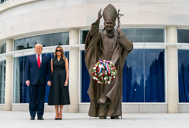 Tổng thống Trump ký lệnh sắc lệnh bảo vệ các tượng đài, di tích ở Mỹ
