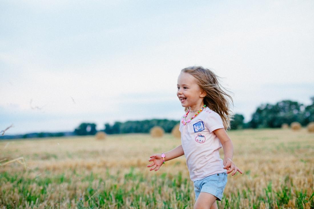 tại sao không như một đứa trẻ, giữ vững thuần khiết đi qua hết quãng đường nhân sinh?