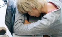 COVID-19 gây ra khủng hoảng về sức khỏe tâm thần ở thanh thiếu niên, các ca tự tử gia tăng đột biến