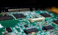 3 kỹ sư bị kết tội đánh cắp bí mật công nghệ sản xuất chip của Mỹ cho Trung Quốc