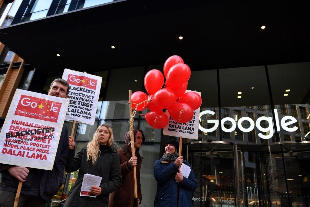 Khi dự án Dragonfly bị rò rỉ vào năm 2018 trên tờ The Intercept, Google đã bị chỉ trích dữ dội bởi đã bán rẻ các giá trị Mỹ cho một thể chế độc tài tàn ác.