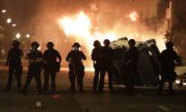 Đụng độ, hỏa hoạn xuất hiện gần Nhà Trắng khi biểu tình leo thang