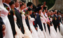 Giáo sư Trung Quốc đề nghị một vợ 'hai chồng' để giải quyết hậu quả chính sách một con của Bắc Kinh