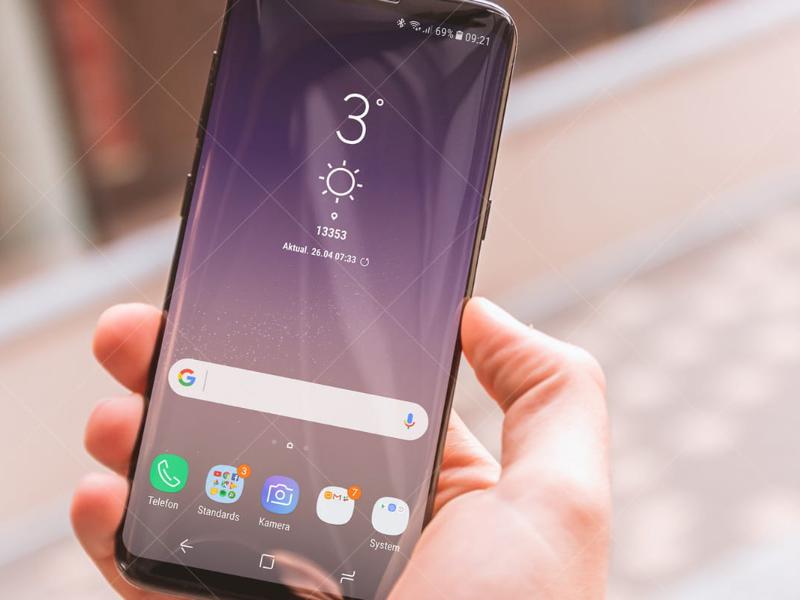 Khi con dùng số tiền con kiếm được sau khi làm gia sư để mua một chiếc điện thoại mới, cảm giác thành tựu mang đến niềm vui sướng còn lớn hơn nhiều so với chiếc điện thoại.