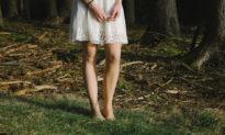 Đi chân trần có lợi cho tim mạch?
