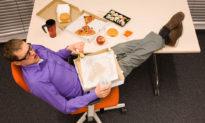Tạp chí Forbes liệt kê 11 thói quen xấu khiến nhân viên... dễ mất việc