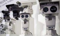 Trung Quốc: Giám sát người dân bằng cách lắp camera từ trước cửa vào trong nhà