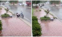 Nam sinh nhặt rác trong mưa nhận bằng khen trong ngày bế giảng năm học
