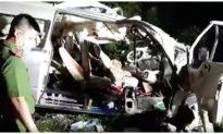 Xe khách 'đấu đầu' xe tải trong đêm ở Bình Thuận, ít nhất 8 người chết, nhiều người bị thương