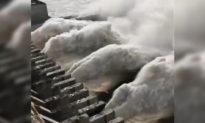 Đập Tam Hiệp bất ngờ mở 7 cửa xả lũ để tự bảo vệ, bất chấp lũ ở hạ lưu