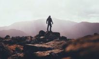 """10 câu cổ ngữ giúp bạn """"đứng trên vai người khổng lồ"""""""