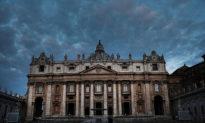 Trung Quốc trả tiền để Vatican 'im lặng' trước tội ác đàn áp Công giáo tại quốc gia này?