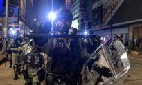 """Quân đội ĐCSTQ đồn trú tại Hong Kong diễn tập bắn đạn thật, yêu cầu """"một phát chí mạng"""""""