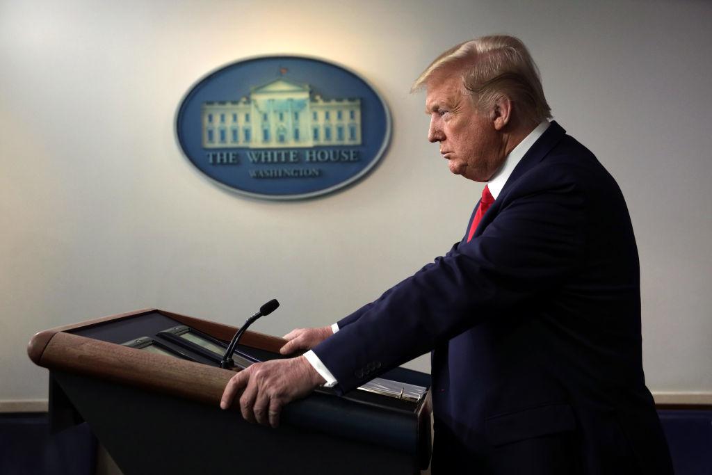 Bất chấp sự đánh phá chưa từng có tiền lệ từ phe cánh tả, tổng thống Trump vẫn liên tục giành chiến thắng với đỉnh điểm là sự phát triển thần tốc ngoạn mục của nền kinh tế. Trớ trêu thay, đại dịch virus Vũ Hán xuất hiện đúng lúc, đúng chỗ đã khiến thành quả 3 năm gây dựng của ông Trump trở nên công cốc.