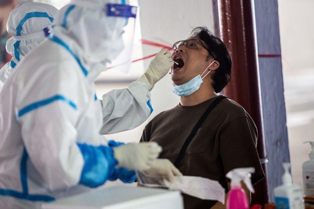 COVID-19: Xét nghiệm có thể dương tính với xác của virus