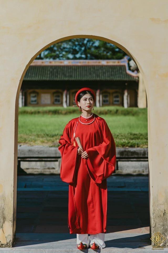 Ảnh chụp cổ phục Việt của người mẫu ảnh Đỗ Nguyễn Ngọc Anh