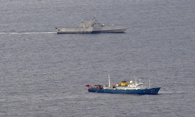 Tàu thăm dò Trung Quốc bị chiến hạm Mỹ áp sát khi hoạt động trên Biển Đông
