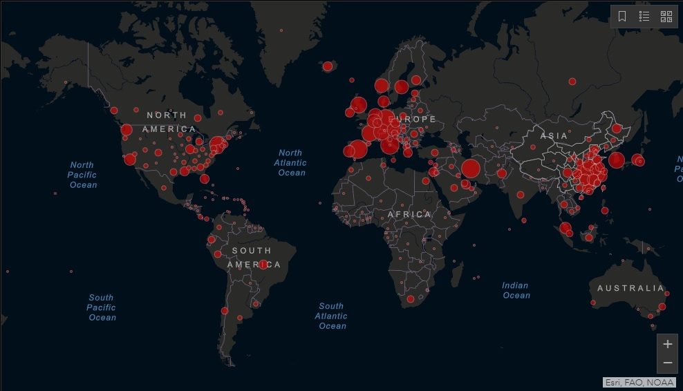 Trên bản đồ phân bố tình trạng lây nhiễm, phổ màu được sử dụng để đánh dấu mức độ lây nhiễm, và khu vực màu đỏ là có tình hình dịch bệnh nghiêm trọng nhất. Mà khu vực được đánh dấu màu đỏ vừa vặn là những quốc gia thân cận với ĐCSTQ.
