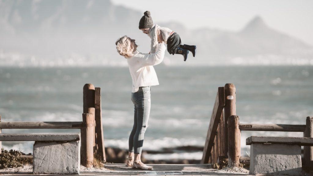 Bất kỳ khi nào chúng ta thấy không hài lòng vì con, đó là lúc một điều kiện không được thỏa mãn. Chúng ta có thể từ manh mối đó mà tìm ra điểm cực đoan trong tính cách của mình mà loại bỏ nó đi.