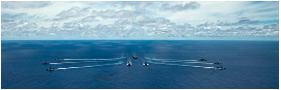 Lực lượng phòng vệ hàng hải Nhật Bản (JMSDF), Lực lượng phòng vệ Úc (ADF) và nhóm tác chiến tàu sân bay Ronald Reagan của Mỹ đã tiến hành một cuộc tập trận chung ở vùng biển Philippines. (Được cung cấp bởi trang web của Hải quân Hoa Kỳ)