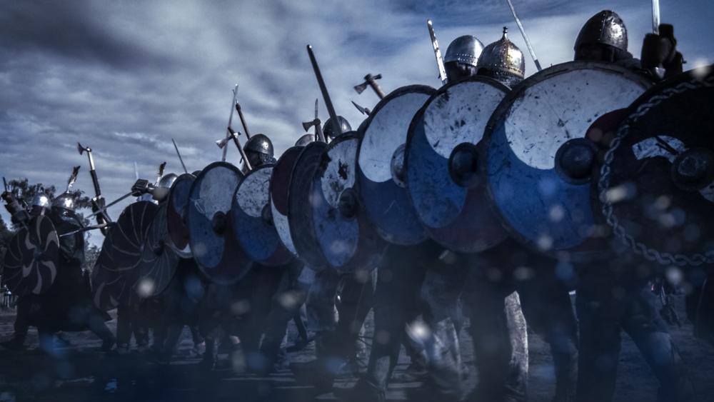 Sức mạnh của một đội quân đến từ những binh sĩ vô danh ở tiền tuyến. Đánh trận không có chuyện không chết người, mà người chết trước cũng không phải tướng quân, mà là lực lượng binh sĩ vô danh kia.