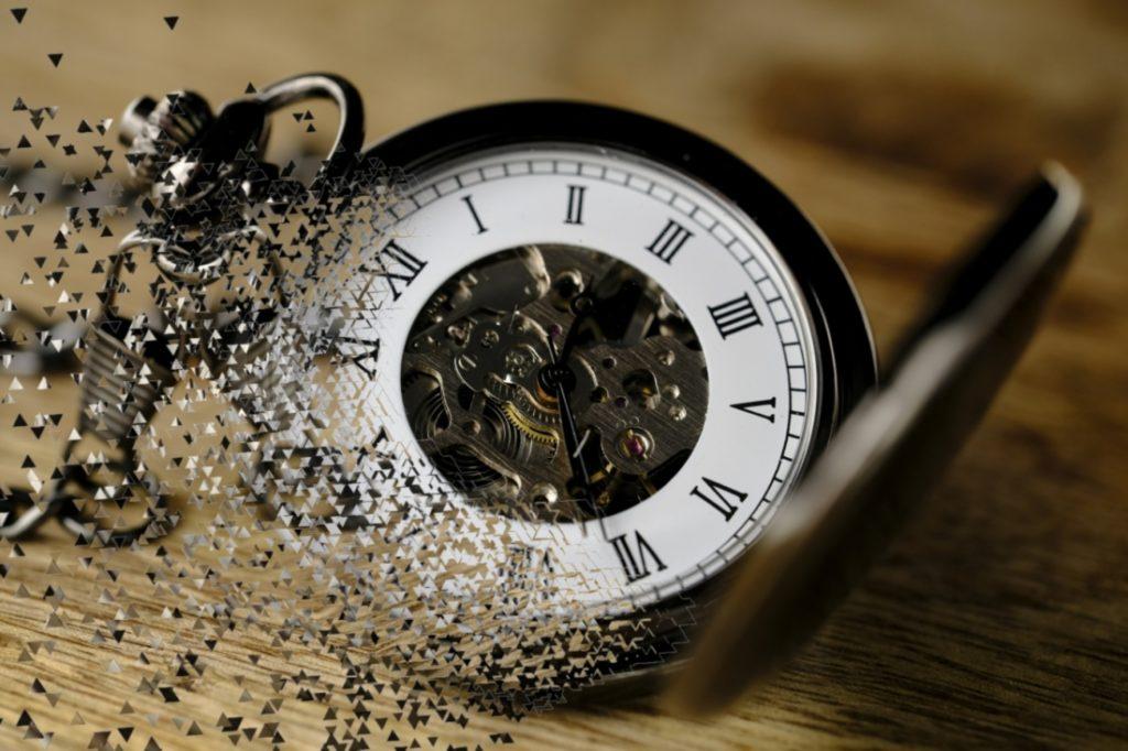 Nếu bạn không dùng hết số thời gian mà bạn có trong ngày vào những việc quan trọng, ý nghĩa, người bị mất chính là bạn.