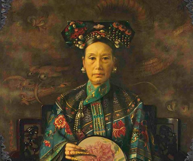 Thời gian Thái hậu buông rèm nhiếp chính, Quang Tự chỉ là bù nhìn. Năm 1898 (Mậu Tuất), vua Quang Tự tiến hành chính biến, muốn thoát khỏi sự khống chế của Thái hậu nhưng bị thất bại.