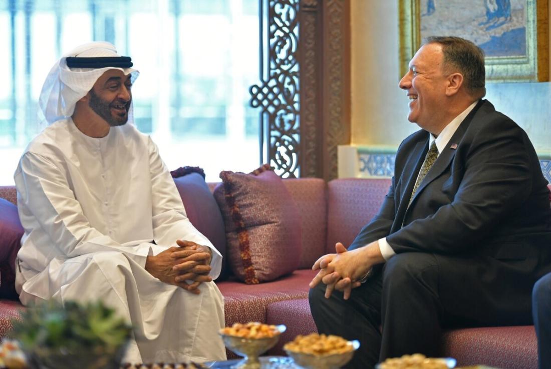 Ngoại trưởng Hoa Kỳ Mike Pompeo (phải) tham gia cuộc gặp với Thái tử Abu Dhabi Mohammed bin Zayed al-Nahyan tại Abu Dhabi, Các Tiểu vương quốc Ả Rập Thống nhất (UAE) vào ngày 19/9/2019. (Ảnh bởi MANDEL NGAN/AFP via Getty Images)