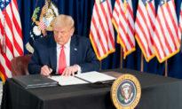 Tổng thống Trump công bố thỏa thuận 100 triệu liều vaccine COVID-19
