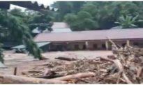 Lũ quét tràn qua 1 trường tiểu học ở Điện Biên, cô lập các xã của huyện Nậm Pồ