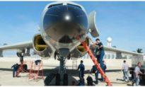 Việt Nam nói gì trước thông tin Trung Quốc đưa máy bay ném bom ra Hoàng Sa?