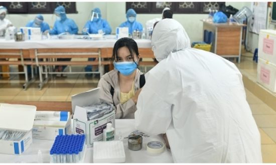 21 người về từ Guinea Xích đạo dương tính với virus viêm phổi Vũ Hán