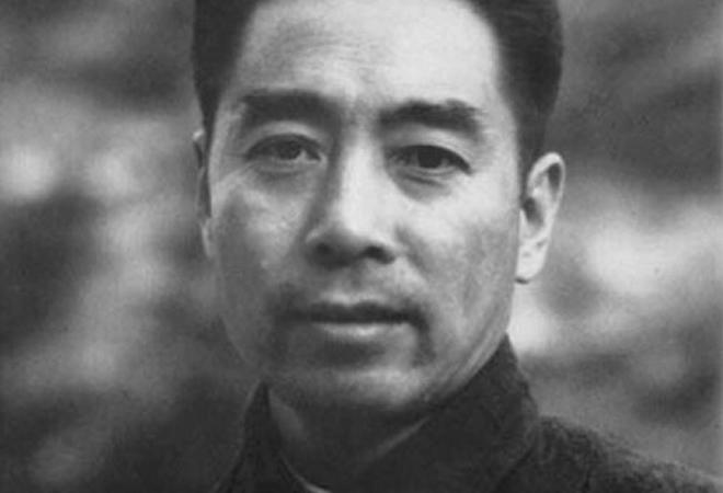 Giống như Đông Phương Bất Bại dễ dàng trở mặt giết huynh đệ sinh tử Đổng Bách Hùng, Chu Ân Lai cũng sẵn sàng hy sinh người thân thiết để bảo vệ mục tiêu chính trị cá nhân.