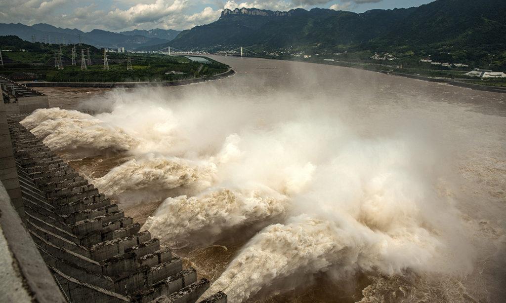 ĐCSTQ ca ngợi khả năng 'gọt đỉnh lũ' của đập Tam Hiệp, chuyên gia nói: Đánh lạc hướng dư luận