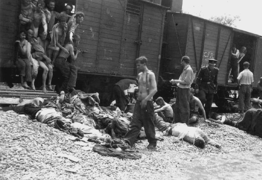 Từ giữa năm 1939 cho đến năm 1945, Đức Quốc xã đã dựng nên hàng loạt các trại tập trung để tiến hành giết người có hệ thống khoảng 6 triệu người Do Thái khắp châu Âu.