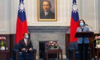 Chuyên gia: Tổng thống Trump cử Bộ trưởng Y tế tới thăm Đài Loan là 'một mũi tên trúng 4 đích'