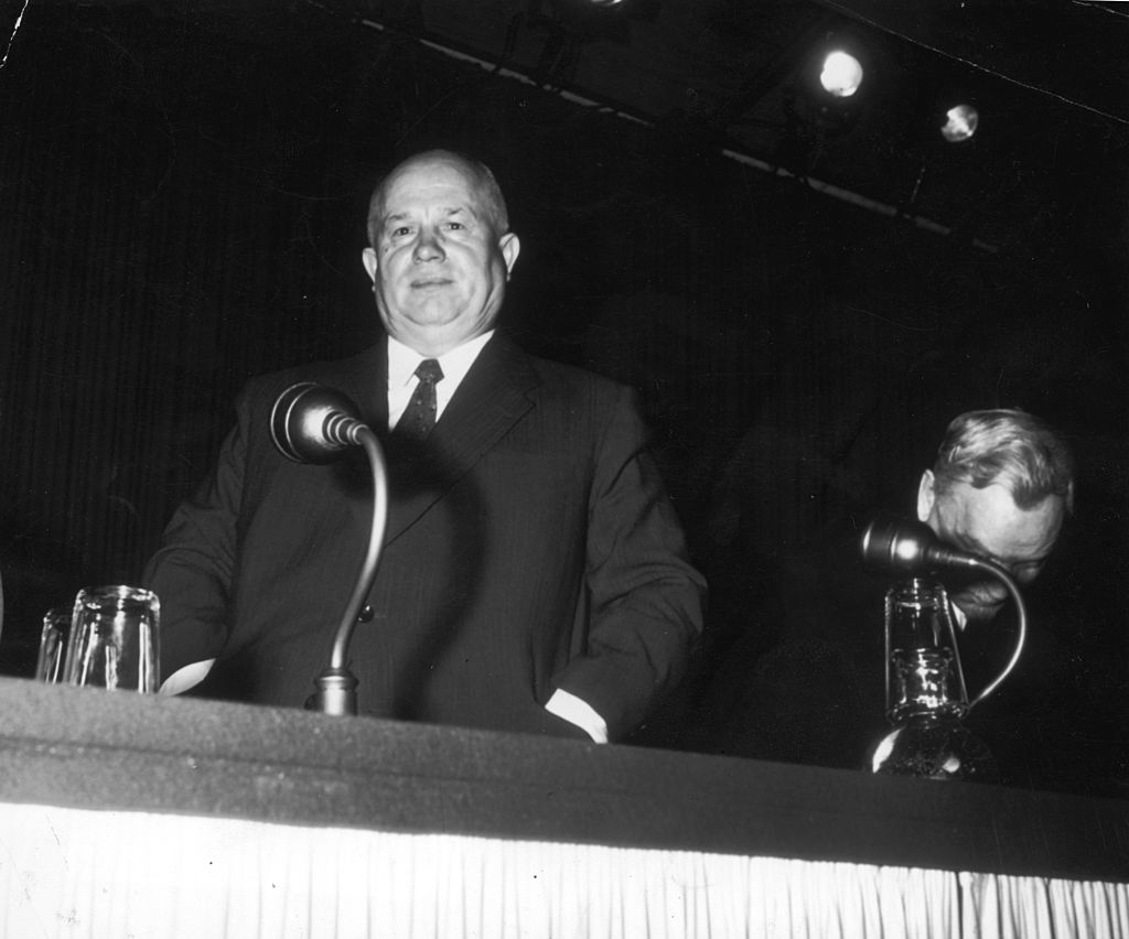 """Nikita Khrushchev đã quyết định thúc đẩy việc nghiên cứu vũ khí nhiệt hạch siêu mạnh để lấy lại sự cân bằng với Mỹ, với hy vọng """"đưa người Mỹ trở lại thực tế""""."""