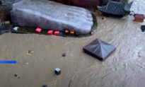 Lũ lụt tại Tứ Xuyên, nước ngập tới ngón chân tượng Lạc Sơn Đại Phật