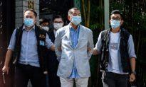 Cổ phiếu Next Digital tăng 4 lần sau khi tỷ phú Jimmy Lai bị bắt giữ, người Hồng Kông đổ xô đi 'mua báo, mua cả lương tâm'