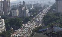 Dân Lạc Sơn hoảng sợ tháo chạy khỏi thành phố vì hóa chất rò rỉ