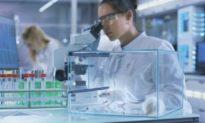 COVID-19: Đối tượng cần vaccine nhất bị chính các nhà nghiên cứu bỏ quên
