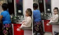 Chứng kiến mẹ chồng trông 3 cháu lụi cụi nấu nướng, con dâu mới hiểu ra sự thật