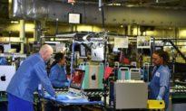 Sản xuất của Hoa Kỳ tăng vọt lên cao nhất trong 15 tháng: ISM