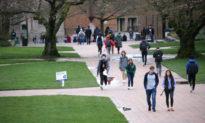 Vì sao du học sinh Trung Quốc có thể ngăn tự do ngôn luận trong trường đại học Mỹ?