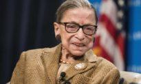 Thẩm phán phe tự do cánh tả Tối cao Pháp viện Hoa Kỳ Ruth Bader Ginsburg qua đời vì ung thư ở tuổi 87