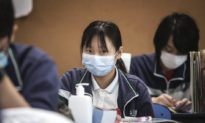 Sinh viên phản đối biện pháp ngăn chặn COVID-19 khắc nghiệt ở Tây An, Trung Quốc
