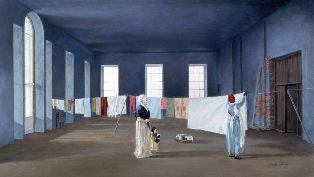 Khó có thể tưởng tượng nổi East Room tuyệt đẹp này khi xưa từng là phòng giặt quần áo, thậm chí đệ nhất phu nhân Abigail còn phơi phóng quần áo ở hông căn phòng này.