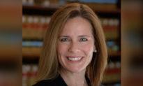 Tổng thống Trump sẽ đề cử bà Amy Coney Barrett cho Tối cao Pháp viện