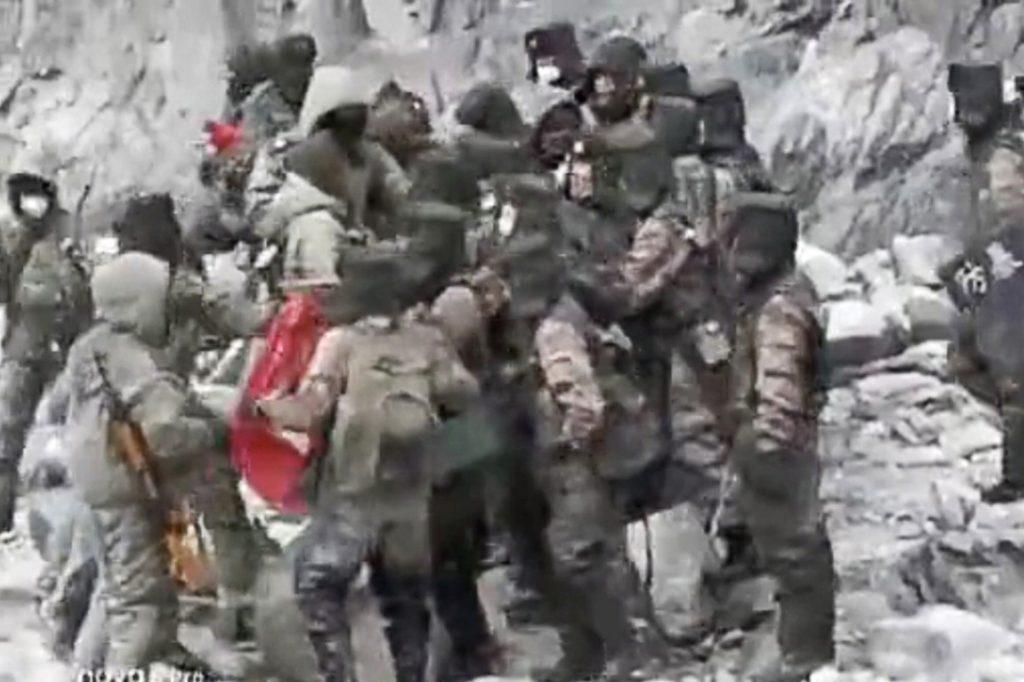 Xung đột Trung - Ấn: Xuất hiện video binh lính ẩu đả ở biên giới